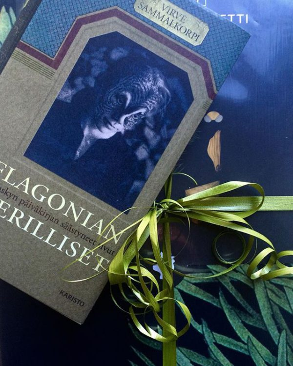 Kirja – aina hyvä lahja. Sopii myös nuoremmille lukijoille.